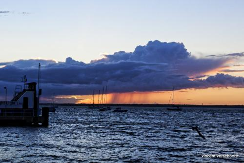 UK, Yarmouth, Solent, sunset