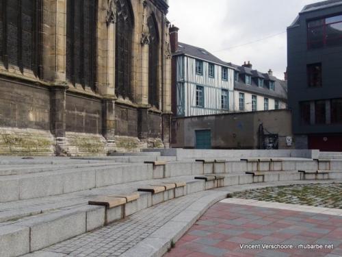 Rouen. A côté du musée Le Secq.