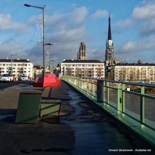 Rouen. Pont sur la Seine.