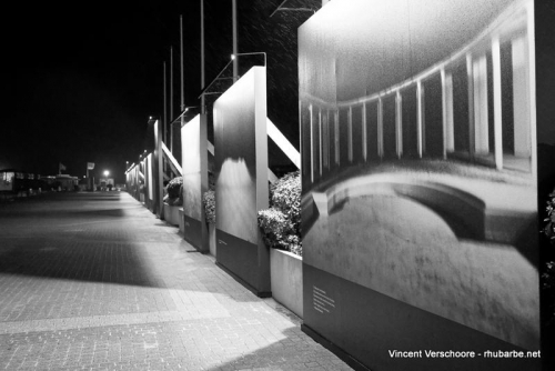 Deauville by night. Expo devant le casino.