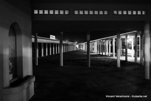 Deauville by night. Expo devant le casino.