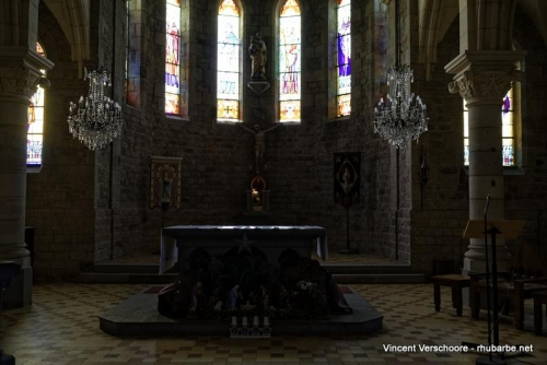 Saint Jacut. Eglise. Intérieur.